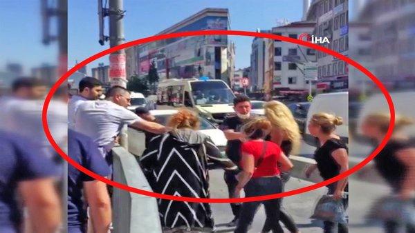 Son Dakika Haberi: İstanbul'da 4 kadın 1 adamı feci şekilde dövdü! Olay anında vatandaşlar... | Video