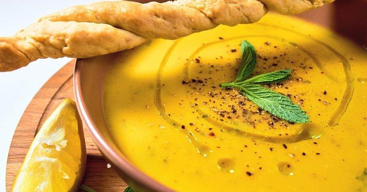 Yemeklerin vazgeçilmezi çorba tarifleri... Ezogelin ve mercimek çorbası nasıl yapılır?