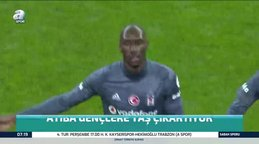 Beşiktaş'ın Kanadalı yıldızı Atiba gençlere taş çıkartıyor