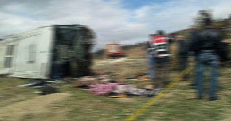 Rus turistleri taşıyan midibüs devrildi: 17 yaralı