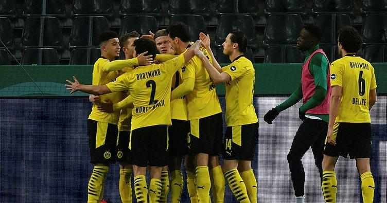 Almanya Kupası'nda Borussia Dortmund yarı finale yükseldi