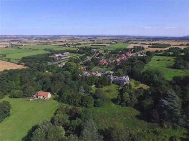 Bu köy 56 milyon liraya satılık!
