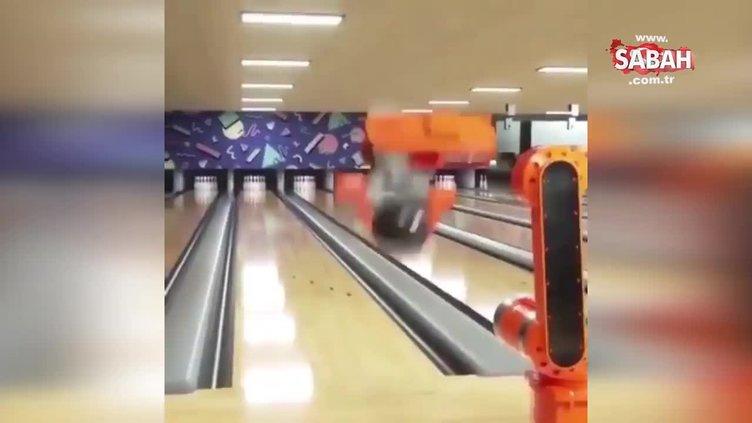 Bowling oynayan 'robot kol'dan tam isabetli atış