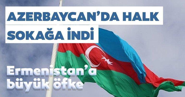Azerbaycan'da halk, askere destek için sokağa çıktı
