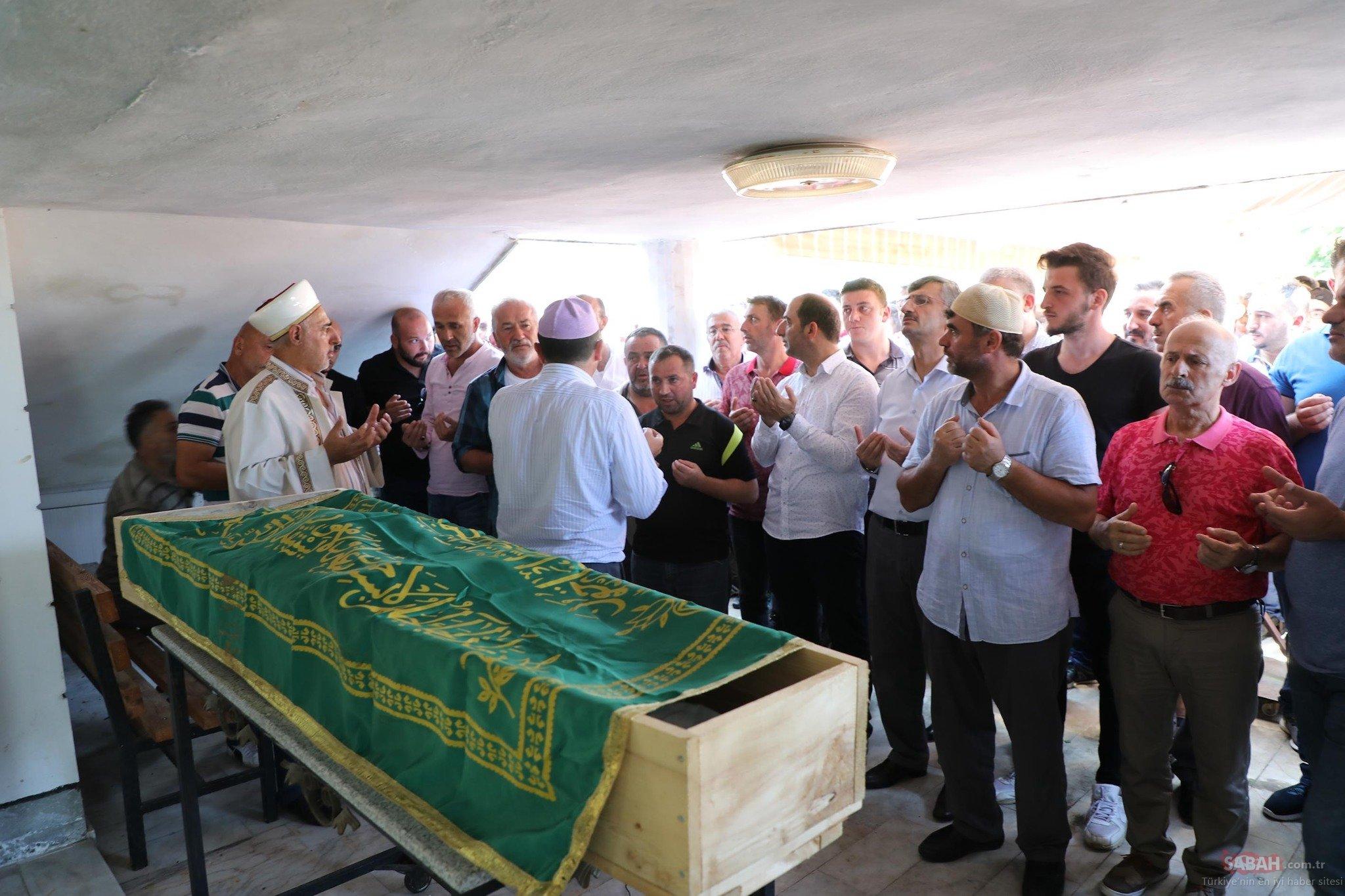 Rizeli ünlü Türkücü Ahmet çakara Son Veda Galeri Magazin 30