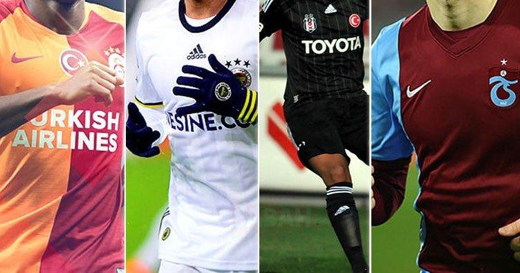 Galatasaray ve Fenerbahçe'nin eski yıldızları kulüpsüz kaldı! Transferin son gününe kadar…