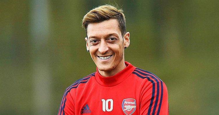 Son dakika: Dünya yıldızı Mesut Özil Fenerbahçe'de! Mesut Özil transferi sosyal medyada olay oldu...