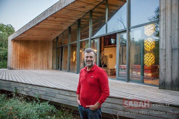 Yönetmen Kutluğ Ataman Erzincan'da ata topraklarında… Türkiye'deki sol hayattan kopuk
