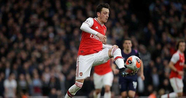 Arsenal'den Mesut'a şok hareket!