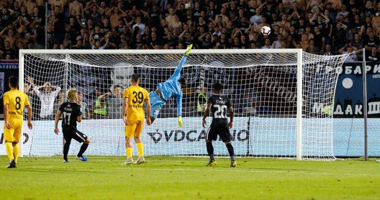 UEFA'dan Partizan'a 2 maç seyircisiz oynama cezası