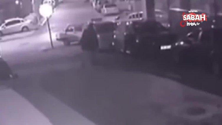Alkolün etkisiyle park halindeki otomobile böyle zarar verdi