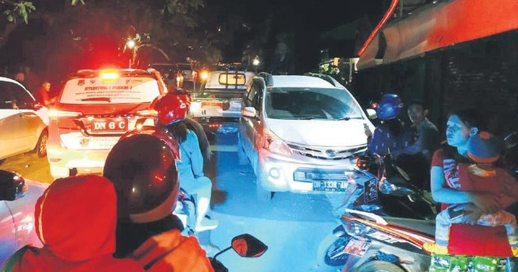 Endonezya 6.9'luk deprem ile sarsıldı