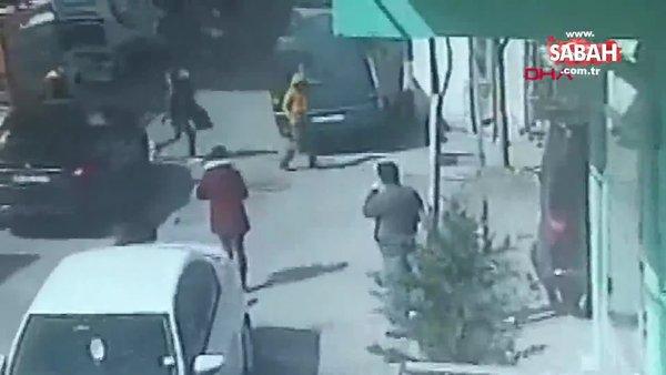İstanbul Avcılar'da otomobilin çocuğa çarptığı anlar kamerada | Video