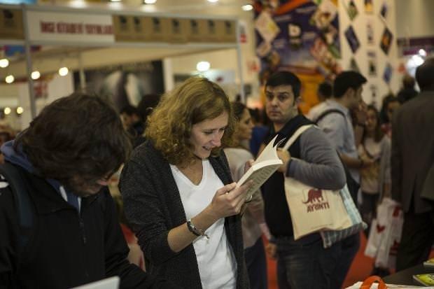 33. İstanbul Kitap Fuarı'na yoğun ilgi