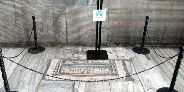 Mezarlarının İstanbul'da olduğunu biliyor muydunuz?