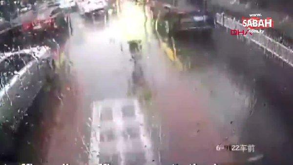 Çin'de otobüste kalp krizi geçiren yolcunun yardımına trafik polisi yetişti | Video