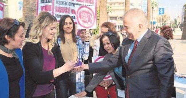 Denizli'de kadınlardan şiddet karşıtı etkinlik