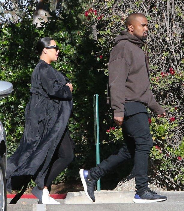 Kim Kardashian doğum kilolarını artık gizlemiyor
