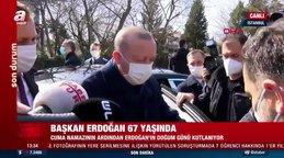 SON DAKİKA: Gazeteciler Cuma namazı öncesi Cumhurbaşkanı Erdoğan'ın 67. yaş gününü böyle kutladı