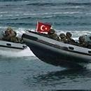 Komandoları taşıyan helikopter denize çakıldı, beş görevli şehit oldu