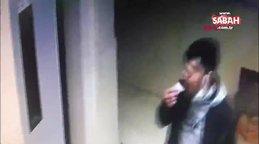 Çikolata yiyen hırsızın 500 liralık bebek arabasını çalma anı kamerada | Video