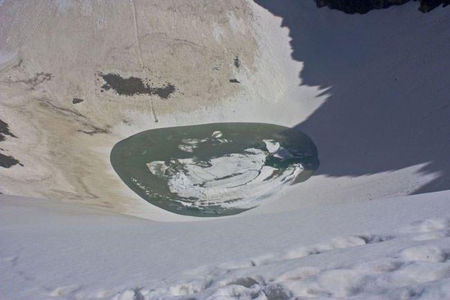 Dünya'nın en esrarengiz gölü