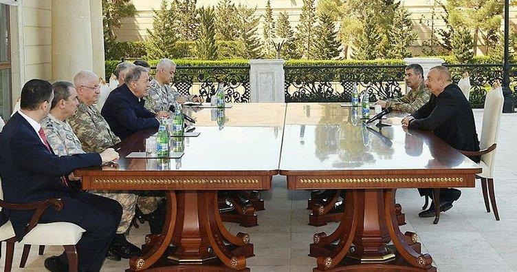 Hulusi Akar ve komutanlar İlham Aliyev ile görüştü