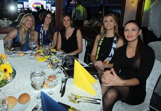 Fenerbahçe aile yemeği