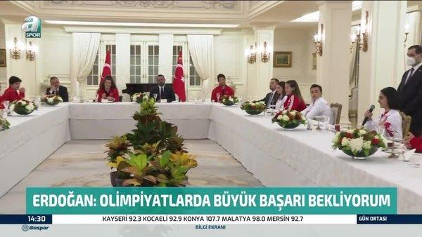 Başkan Erdoğan, milli sporcularla iftar yaptı | Video