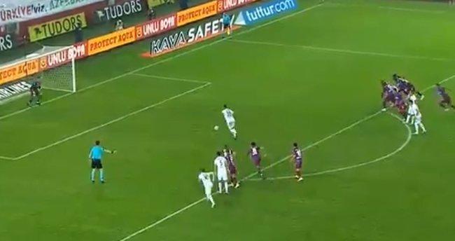 İşte Trabzonspor - Kasımpaşa maçındaki penaltı pozisyonu!
