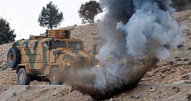 Çatak'ta askeri araca bombalı saldırı