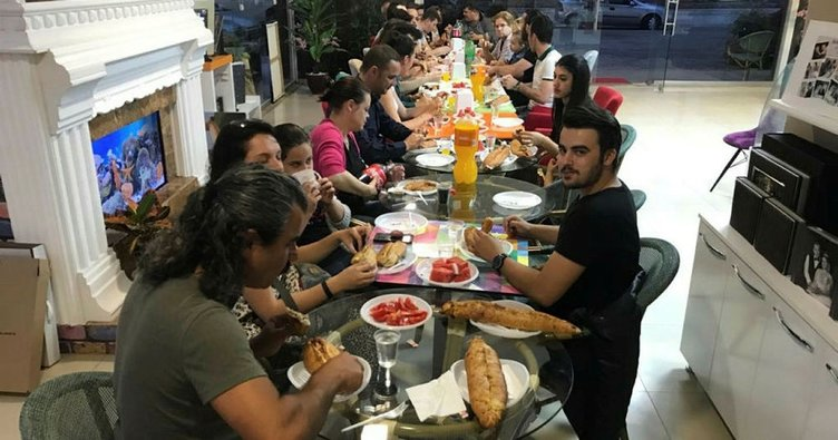 Edirneli fotoğrafçılardan gazetecilere iftar