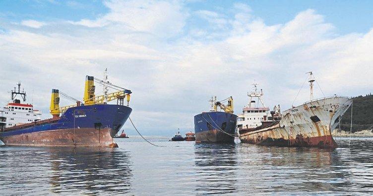 İzmir'in hayalet gemileri ekonomiye kazandırılıyor