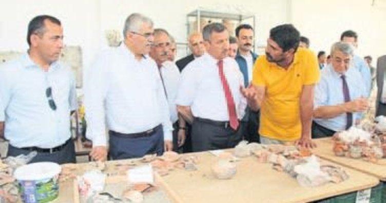 Valiye antik kazı brifingi verildi