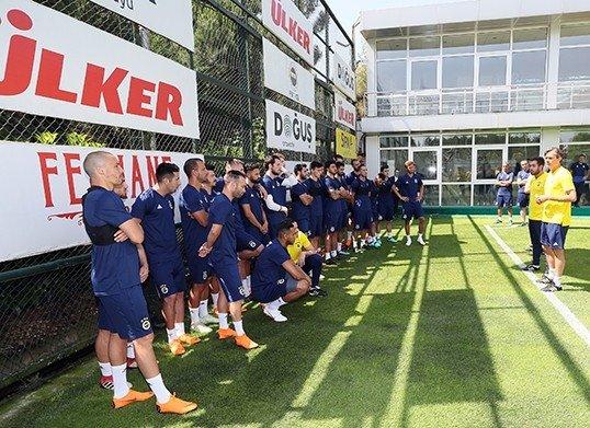 Fenerbahçe'de yeni sezonun ilk antrenmanı