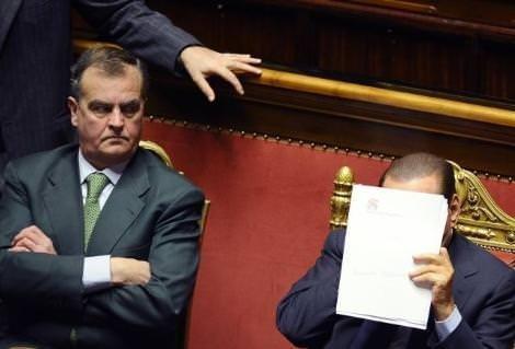 Berlusconi öldü öldü dirildi