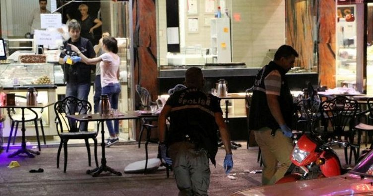 Tatlıcı dükkanına silahlı saldırı: 5 yaralı