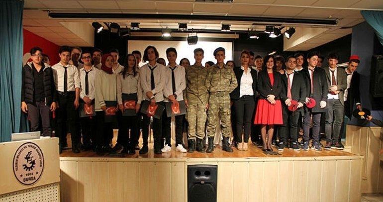 Öğrenciler, İstiklal Marşı'nın kabulünün yıl dönümünü kutladı