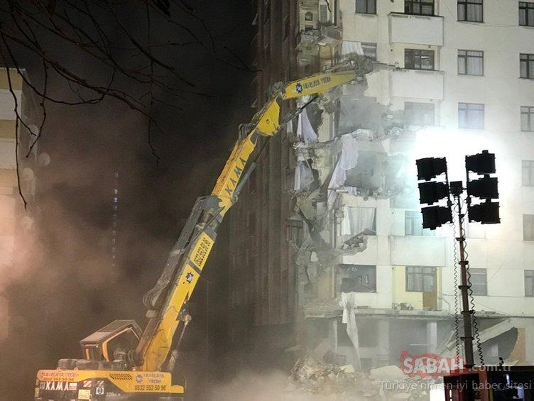 Kartal'da belirlenen binalar yıkılıyor
