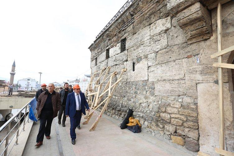 Osmanlı camisi 104 yıl sonra açıldı