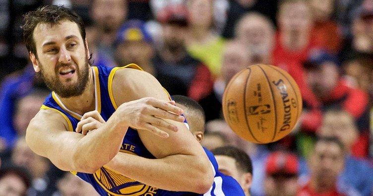 Golden State Warriors, Andrew Bogut ile anlaştı