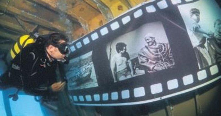 Su altı fotoğrafları batıkta sergilendi