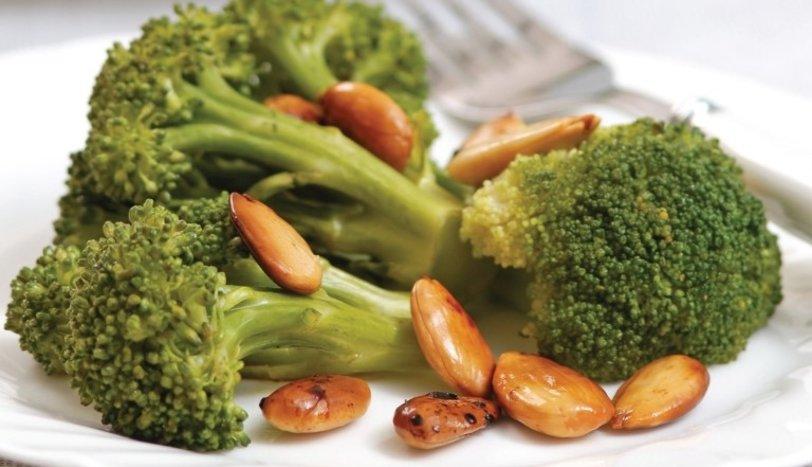 Bademli brokoli tarifi