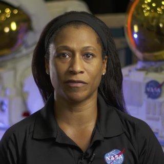 NASA siyahi kadın astronotun uzay görevini iptal etti