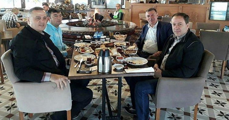Vezirhan ve Geyve belediye başkanları bir araya geldi