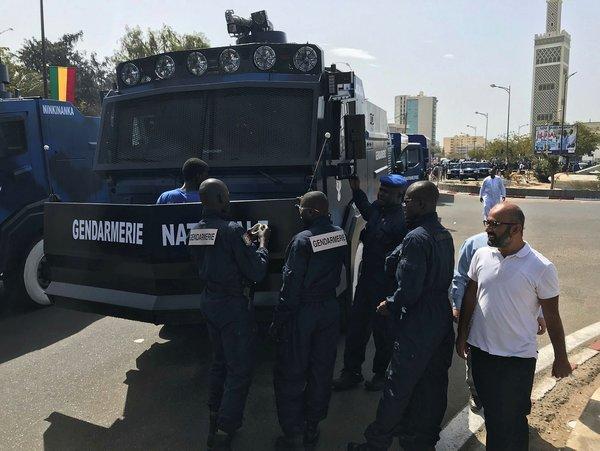 Türk zırhlıları Ejder Yalçın ve Ejder Toma Senegal'de gösterildi