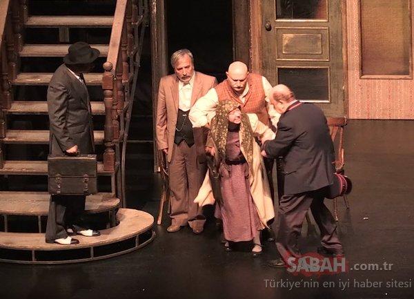 Zeytinburnu Kültür ve Sanat Merkezi'nde 'Reis Bey' sahnelendi