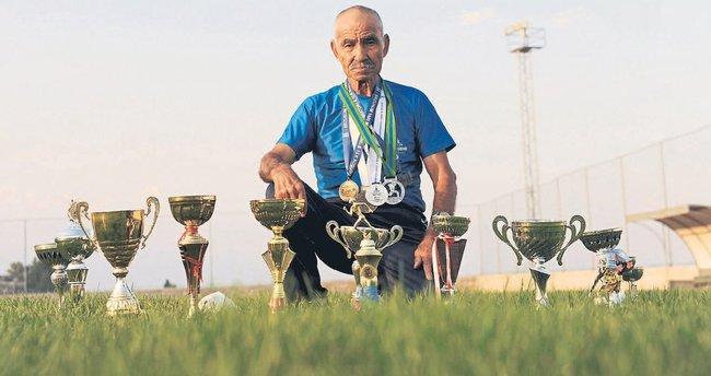Mersinli 82'lik atlet madalyaya doymuyor