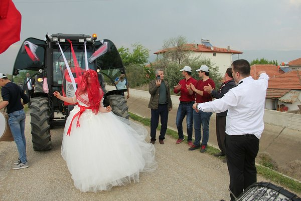 Böyle bir düğün konvoyu görülmedi