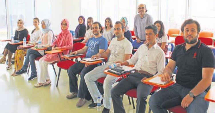 OSMEK sayesinde Osmanlıca öğreniyorlar